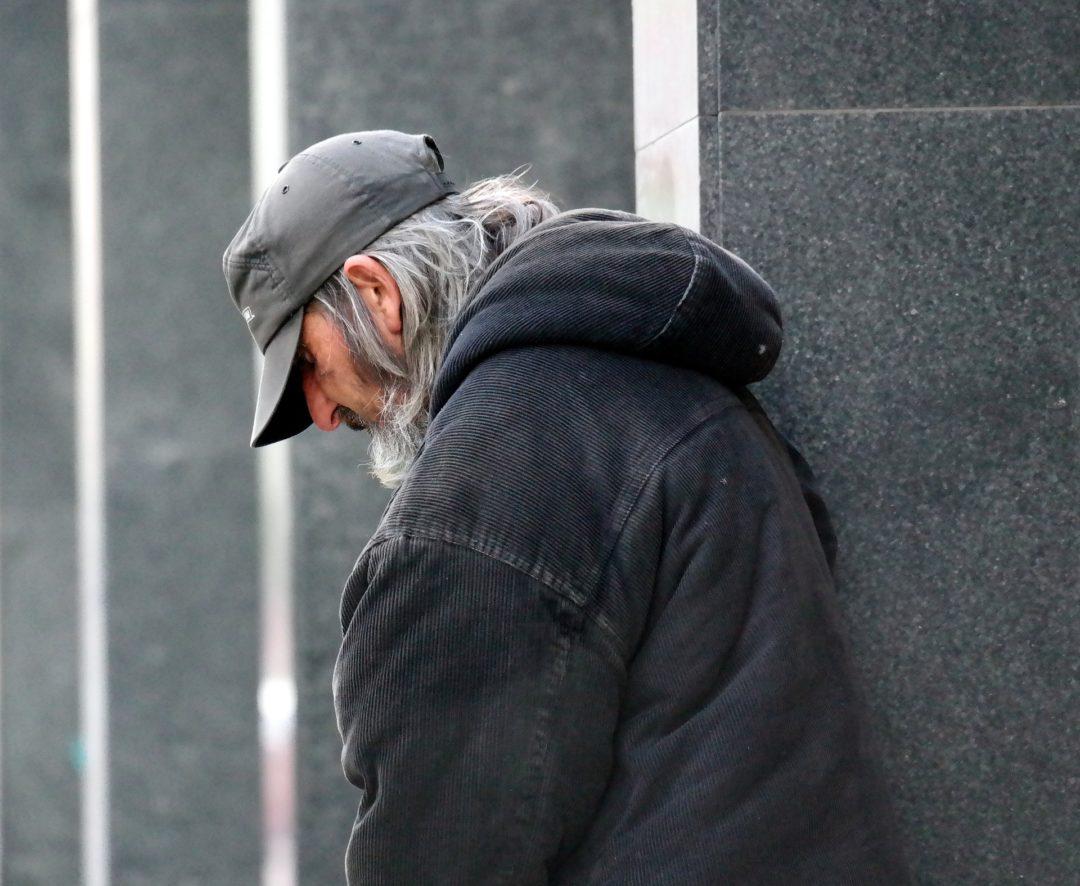 homeless-813618_1920